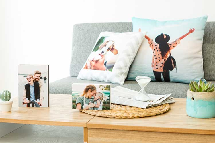 Searching for something personal gift? Here are 15 Unique and Truly Personal Photo Gift Ideas to showcase your favorite photos.